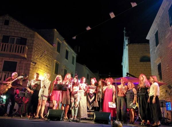 Brazilian Choir - singing 'Ara'